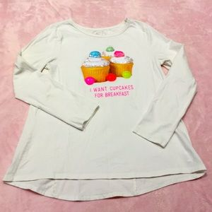 😀  Large (10-12) long sleeve top
